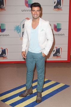 Check Out The Fashion & The Style At Premios Juventud !!!  http://bravechica.com/2013/07/20/fashion-from-premios-juventud-la-moda-en-los-premios-juventud/ #premiosjuventud @BraveChica
