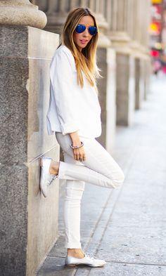 Look: Total White com Skinny Branca