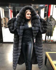 Sable Sable Fur Coat, Black Fur Coat, Fox Fur Coat, Fur Coat Fashion, Fabulous Furs, Vintage Fur, 1950s Fashion, Winter Wear, Mantel