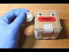 お金はたまりません。 材料は、ダンボール、布、フェルト、布ゴム、紐、角材(4x4, 4x8mm)です。 You can not save money. Materials are cardboard, cloth, felt, rubber band, string, and wood block(4x4, 4x...