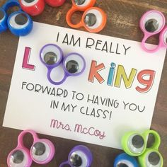This is an easy, fun, and inexpensive back to school gift for your students. Students love the wiggly-eye rings used for guided reading, so now you can make a special gift for your students at the beginning of the year! What do you get?