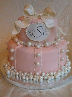 Pearl Cake For Birthday And Baptism Inspired by one of Collette's cakes. Edible pearls brushed with luster dust. Pearl Baby Shower, My Bridal Shower, Bridal Shower Cakes, Baby Shower Cakes, Pretty Cakes, Cute Cakes, Beautiful Cakes, Simply Beautiful, Cake Pops