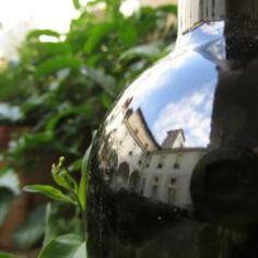 I #vinipregiati Azienda #agricola @CastleOfAngels raccontano i suoi mille anni di #storia! #castello #riflesso #bottle #wine