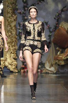 Dolce-&-Gabbana-Fall/Winter-2012-2013-bianca-balti