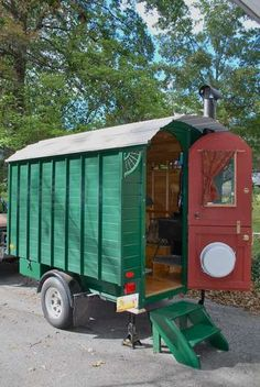 Home-made Camp Trailer, wish I could do this (( I think we can do this.  ))