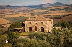 Visit the page of the agriturismo Podere Casella. Located in Hills in Castiglione d'Orcia - (Siena), offers Room only, Half board, Bed & Breakfast in Bedroom - Castiglione d'Orcia - . Italian Home, Italian Villa, Agriturismo Tuscany, Italy Tourism, Italy Magazine, Spanish Villas, Mediterranean Home Decor, Cabins And Cottages, Country House Plans