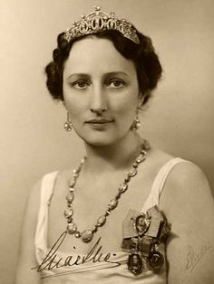 1940s tiara | Crown Princess Märtha 1939 (Photo: E. Rude, The Royal Court, Archives ...