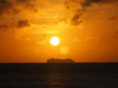 Awesome sundown scene. #buycruiseholidays #sunset #sun #twilight #cruise #ship