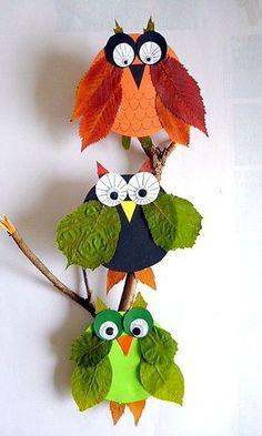 材料に落ち葉と色画用紙を使った個性的なフクロウ♪