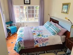 Paradise in the City - Cottage One - Paradise in the City is a beautiful self-catering cottage located in Walmer central in Port Elizabeth. It offers a comfortable tropical retreat in a peaceful cottage nestled around palm trees and a swimming .