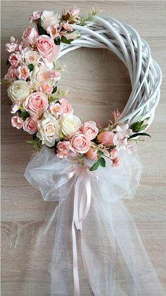 Wedding Door Wreaths, Wedding Hall Decorations, Christmas Wreaths For Front Door, Wedding Doors, Summer Door Wreaths, Flower Decorations, Creative Flower Arrangements, Floral Arrangements, White Wreath