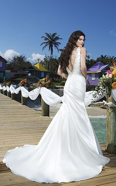 Gorgeous gown by Justin Alexander