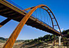Puente (Arco Mixto) de la Vicaría sobre el embalse de la Fuensanta en el río Segura, Albacete / Bridge over the Segura River's Fuensanta Dam in Albacete, Spain
