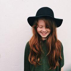 Floppy hat & wavy hair for days #cutie
