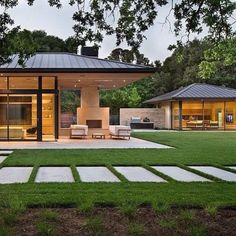 A contemporary residence and pool house has been newly designed by San Francisco-based Arcanum Architecture in the quaint town of Woodside, California. Glass House Design, Modern House Design, Modern Exterior, Exterior Design, Modern Farmhouse, Farmhouse Style, Woodside Homes, Modern Lake House, Mediterranean Home Decor