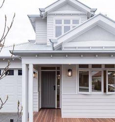Hamptons Living Room, Hamptons House, The Hamptons, Timber Front Door, Front Doors, House Exterior Color Schemes, Exterior Colors, Hamptons Style Decor, Front Door Lighting