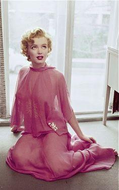 Marilyn Monroe. Photo by Philippe Halsman, 1952.