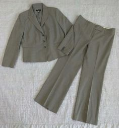 Ann Taylor 10 Petite Suit Wool Blazer Pants Light Gray Women's Office Career #AnnTaylor #PantSuit