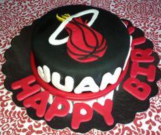 Miami Heat cake by Fernanda Ruiz