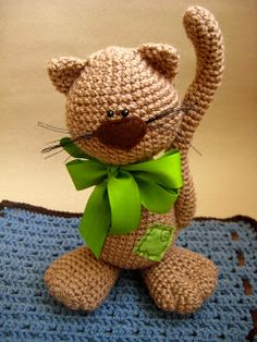 Trendy Ideas For Crochet Cat Amigurumi Free English Chat Crochet, Crochet Amigurumi Free Patterns, Knit Or Crochet, Crochet For Kids, Crochet Crafts, Crochet Dolls, Crochet Baby, Free Crochet, Diy Crafts