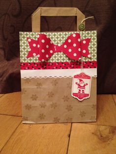 Christmas gift bag by Colleen Tyler @ maplesyrupdesigns