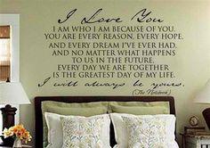 Above your bed: si eres estilo romántico, ¿qué tal un tope de cama con una frase como esta?
