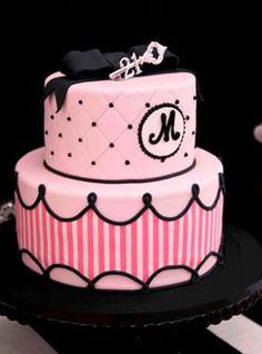 Ideia para bolo da sua festa de 15 anos :3