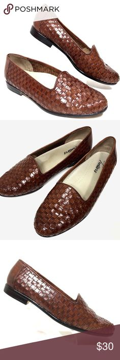 Trotters Weave Slip On Loafers Size 7 W Trotters Women's Size 7 W Basket Weave Slip On Loafers Brown Trotters Shoes Flats & Loafers