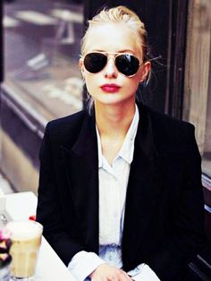 We knew the French were on to something...how to create a French wardrobe #WardrobeBasics