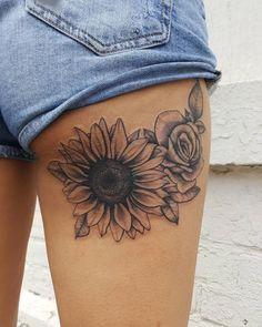 25 sunflower tattoos for women tattoo ideas tätowierungen, sonnenblumen . Sunflower Tattoo Shoulder, Sunflower Tattoo Small, Sunflower Tattoos, Sunflower Tattoo Design, Paisley Tattoo Design, White Sunflower, Thigh Tattoo Designs, Kunst Tattoos, Body Art Tattoos