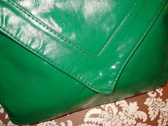 Spray Painted Green Vintage Envelope Clutch! #DIY #Fashion #SprayPaint