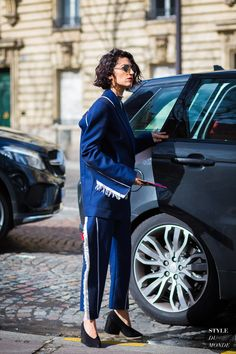Paris Fashion Week FW 2016 Street Style: Yasmin Sewell