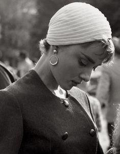 Look Vintage, Vintage Girls, Vintage Beauty, Audrey Hepburn Pictures, Audrey Hepburn Style, Meg Ryan, Sophie Marceau, Julia Roberts, Marylin Monroe