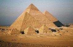 piramidy Cheopsa, Chefrena i Mykerinosa w Gizie