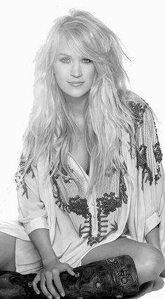 "( BEAUTIFUL COUNTRY MUSIC ♪♫♪♪ 2016 ★ CARRIE UNDERWOOD "" Country / country pop "" ) ★ ♪♫♪♪ Carrie Marie Underwood - Thursday, March 10, 1983 - 5' 3'' - Checotah, Oklahoma, USA."