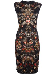 Alexander McQueen - wasn't sure if I should pin this under My Style or Art :) Beautiful