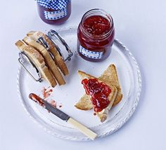 James Martin's step-by-step guide to making homemade preserve - the resulting jars are ideal for gift hampers