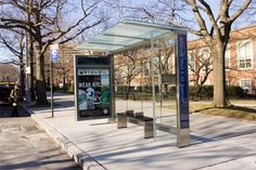 Apartment Therapy notes that new bus stops and news stands are popping up all over New York. Cemusa, a Spanish outdoor firm, is installing the first of 3500 bus shelters, 330 news stands, and 20 public toilets in a billion dollar contract that is the Urban Furniture, Street Furniture, Furniture Design, City Furniture, Halle, Urban Design, Modern Design, Bus Stop Design, Bus Shelters