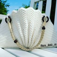 Marvelous Crochet A Shell Stitch Purse Bag Ideas. Wonderful Crochet A Shell Stitch Purse Bag Ideas. Crochet Shell Stitch, Crochet Tote, Crochet Handbags, Crochet Purses, Free Crochet, Bag Patterns To Sew, Knitting Patterns, Knitted Bags, Macrame Bag
