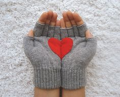 Heart fingerless gloves -- what a lovely way to keep your hands warm and your fingers free for texting and tweeting.