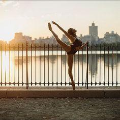#Ballerina - @cassiepearlt in @centralparknyc #CentralPark #NewYorkCity #ballerinaproject_ #ballerinaproject #ballet #sunrise by ballerinaproject_