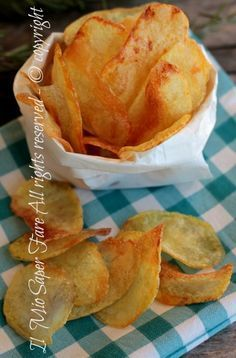Patatine fritte ricetta Bonci il mio saper fare Easy Appetizer Recipes, Best Appetizers, Raw Food Recipes, Italian Recipes, Cooking Recipes, Yummy Food, Tasty, Nutella, Soul Food