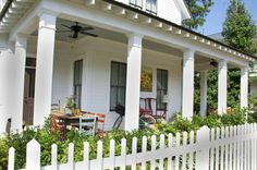 pretty Southern front porch