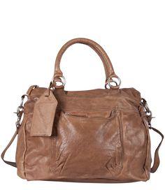 fddf8bc02f7 De Londonderry van Cowboysbag is gemaakt van heerlijk soepel leer, is licht  en d.m.v. het