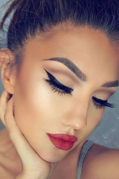 wedding makeup for fair skin Hochzeits Make-up Winter Eyeliner Ideen Christmas Makeup Look, Holiday Makeup Looks, Winter Makeup, Spring Makeup, Party Makeup, Bridal Makeup, Wedding Makeup, Neutral Makeup, Gold Makeup