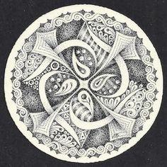 Enthusiastic Artist: Stippled mandala