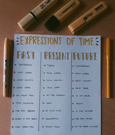 "𝒂𝒑𝒖𝒏𝒕𝒆𝒔 𝒅𝒆 𝒊𝒏𝒈𝒍𝒆𝒔 on Instagram: ""EXPRESSIONS OF TIME ✔Past, present and future."" English Teaching Materials, Learning English For Kids, Teaching English Grammar, English Writing Skills, Book Writing Tips, English Vocabulary Words, English Phrases, English Language Learning, English Sentences"