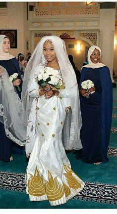 Très belles African Wedding Attire, African Attire, African Wear, African Women, African Dress, African Beauty, Latest African Fashion Dresses, African Print Fashion, Africa Fashion