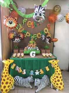Cumpleaños safari jungle/safari party in 2019 вечеринка в ст Safari Party, Safari Birthday Cakes, Jungle Theme Parties, Jungle Theme Birthday, Safari Birthday Party, Jungle Party, Animal Birthday, Jungle Safari, Boys First Birthday Party Ideas