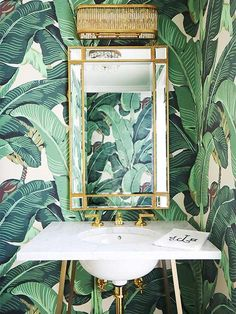 Banana Leaf Powder Room Wallcovering - Design photos, ideas and inspiration. Amazing gallery of interior design and decorating ideas of Banana Leaf Powder Room Wallcovering in bathrooms by elite interior designers. Bathroom Wallpaper Leaves, Of Wallpaper, Trendy Wallpaper, Palm Leaf Wallpaper, Wallpaper Ideas, Bathroom Jungle Wallpaper, Wallpaper Powder Rooms, Jungle Bathroom, Bathroom Mural